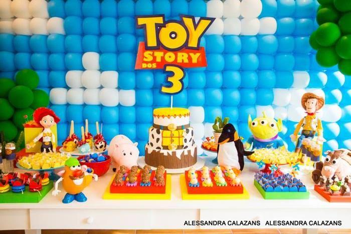 Idea de mesa de dulces cumpleaños Toy Story | Proyectos que debo ...
