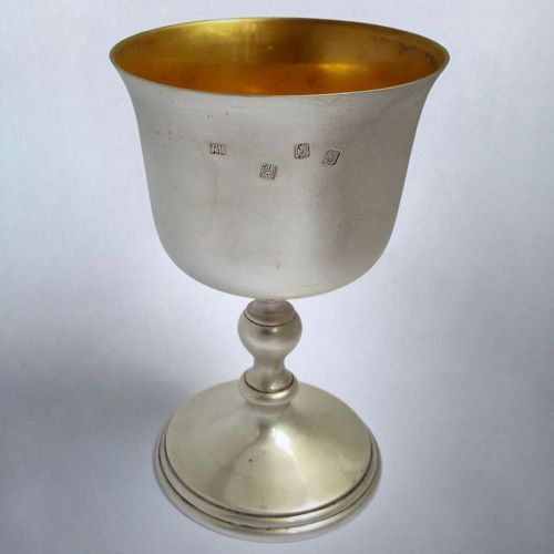 Fabulous-v-heavy-296g-mint-condition-irish-Antique-1971-Solid-Silver-wine-goblet