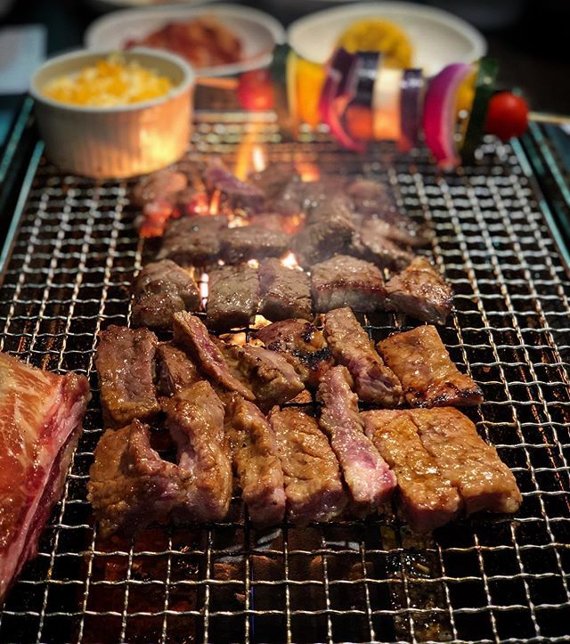 Do We All Agree That Quarterskbbq S Excellent Marinated Kalbi Pork Jowl And Bulgogi Are Soooooo Worth The Wait So Good Marinated B Food Eat Eat Food