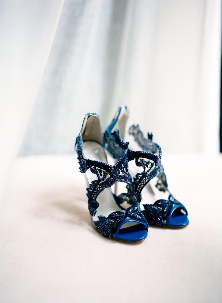 Blue Oscar de la Renta Bridal Shoes | Photo: Jen Lynne Photography