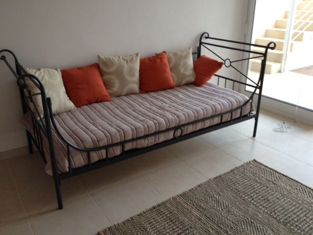 Cama divan de forja modelo atenas chalet en ibiza www - Divan de forja ...