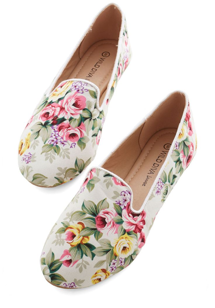 Business Casual Friday Flat in White. You might still be sporting a pencil skirt, but you add some fanciful detailing to your feet with these floral loafers! #white #modcloth