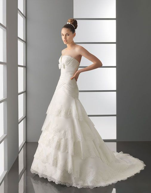 Strapless multilayer princess organza bridal gown  Read More:     http://www.weddingscasual.com/index.php?r=strapless-multilayer-princess-organza-bridal-gown.html