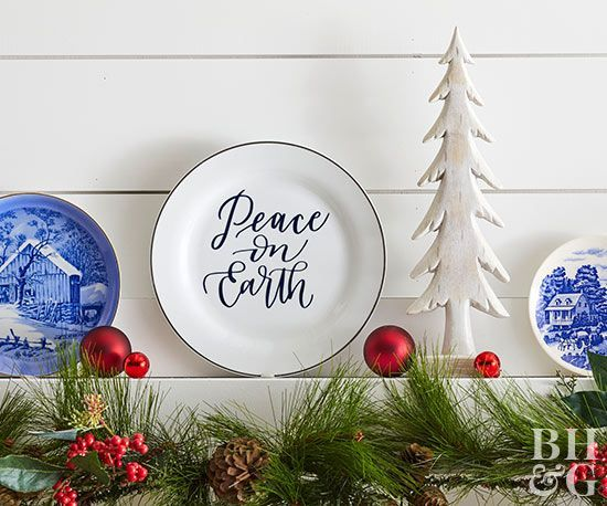 DIY Gifts 2018 /2019    These custom holiday dishes also make a great handmade Christmas gift.