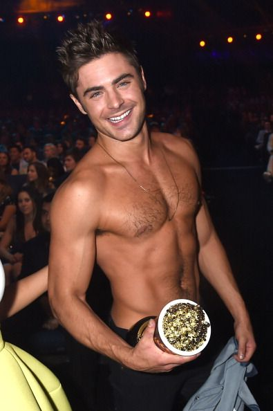 Zac Efron wins for 'Best Shirtless' at MTV Awards .... obviously
