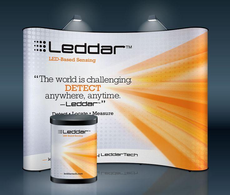 LeddarTech : Afin de faire connaître la technologie Leddar de l'entreprise LeddarTech, son image graphique a été conçue.     La conception est inspirée du faisceau lumineux que crée la technologie de détection Leddar. Le montage s'est d'abord développé sur un kiosque afin d'appuyer leur présence lors de foires commerciales.