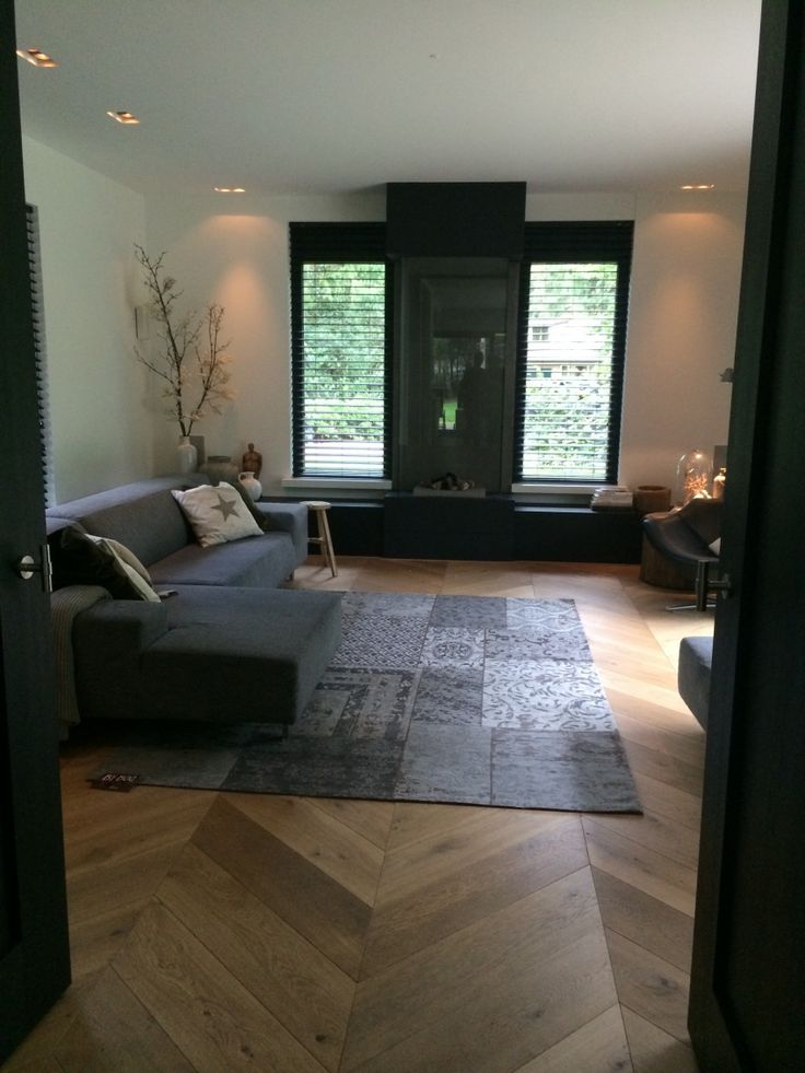 Antraciettinten met hout - Woonadvies | dutchhome - visgraat vloer