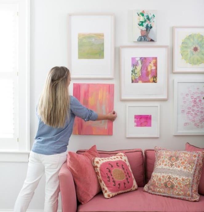Θέλεις μια όμορφη σύνθεση από κάδρα να διακοσμήσει τον τοίχο σου, αλλά δεν ξέρεις πώς ακριβώς να τη δημιουργήσεις Δεν θέλει κόπο, θέλει τρόπο. Εδώ είναι μερικά tips για να πετύχεις μια τέλεια...