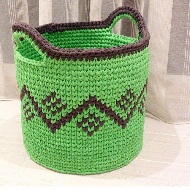 """1,189 Likes, 25 Comments - @applewhitecrochet on Instagram: """"By @svetiromanova #crochetlove #crochetbasket #handmadebasket #crochetinspiration #crochetlover…"""""""