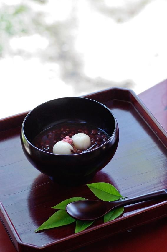 Japanese red bean soup made with Azuki beans. what are azuki beans?? and why are there leaves and can you eat them