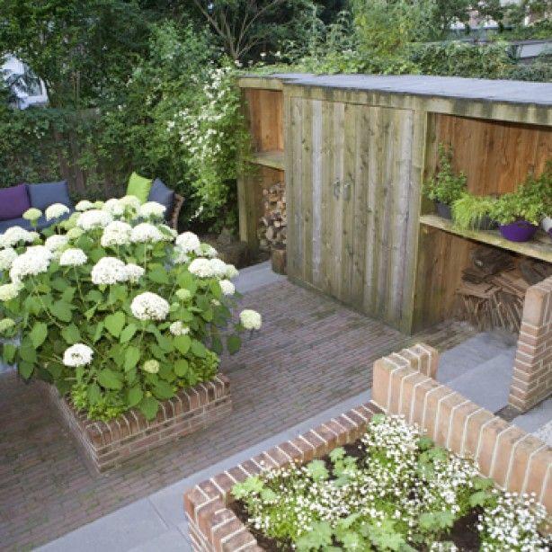 18 best images about opbergers tuin on pinterest gardens for Tuinontwerpen kleine tuin foto s