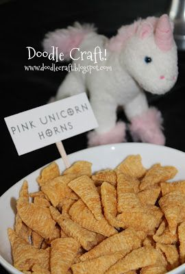 Unicorn party: mini unicorn horns