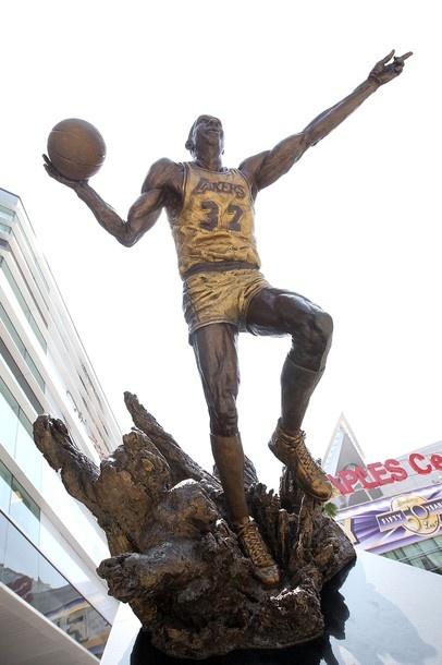 Magic Johnson Statue