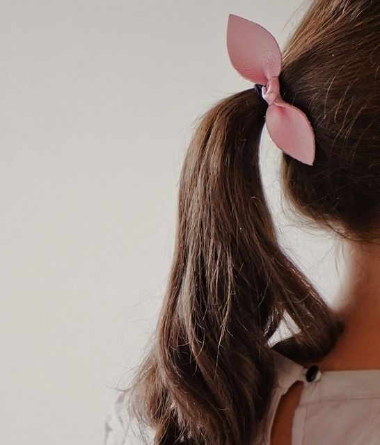 Diy Leather Bow Hair Tie by ohthelovelythings, via Flickr
