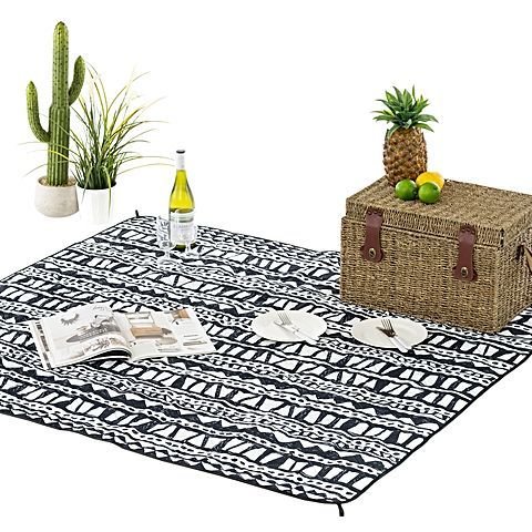 Implement timeless style in your outdoor activities with the Adventure Mat, Bermuda from Vienna Woods.