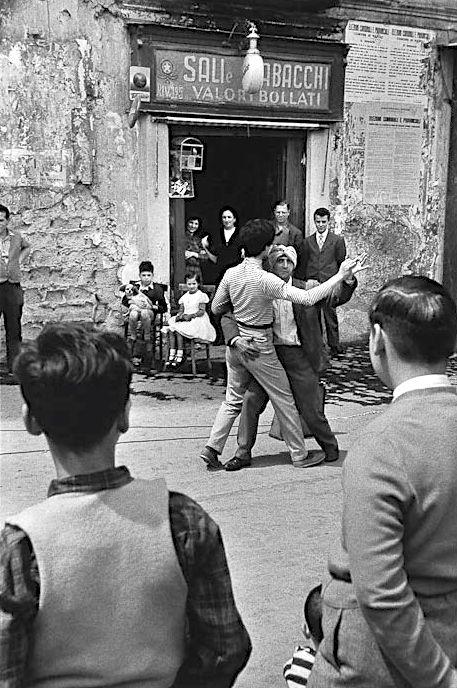 Street Theatre Napoli 1956 Photo: Rene Burri