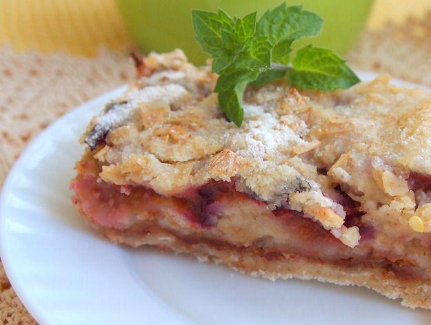 Насыпной яблочно-сливовый пирог: пошаговый рецепт