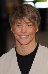 Mitch Hewer Hairstyle, Makeup, Suits, Shoes and Perfume - http://www.celebhairdo.com/mitch-hewer-hairstyle-makeup-suits-shoes-and-perfume/