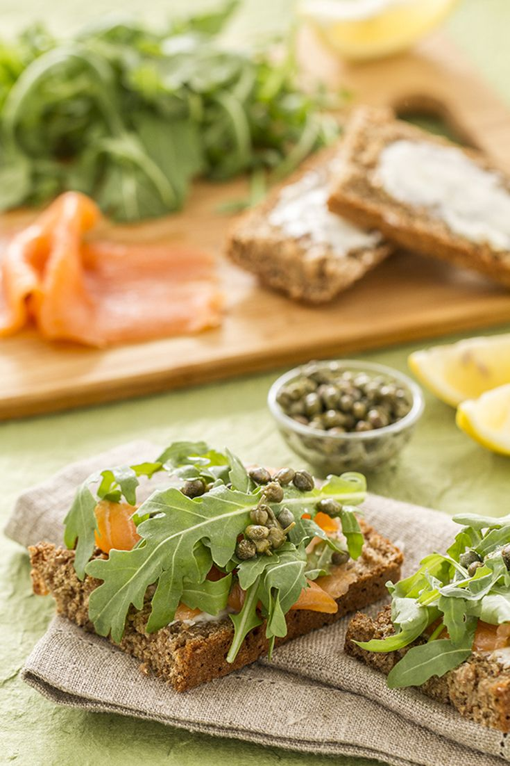This #Irish brown #bread with smoked #salmon is a great finger food that can be put together in a few minutes! See the recipe here: http://bit.ly/bruschetta_irlandese
