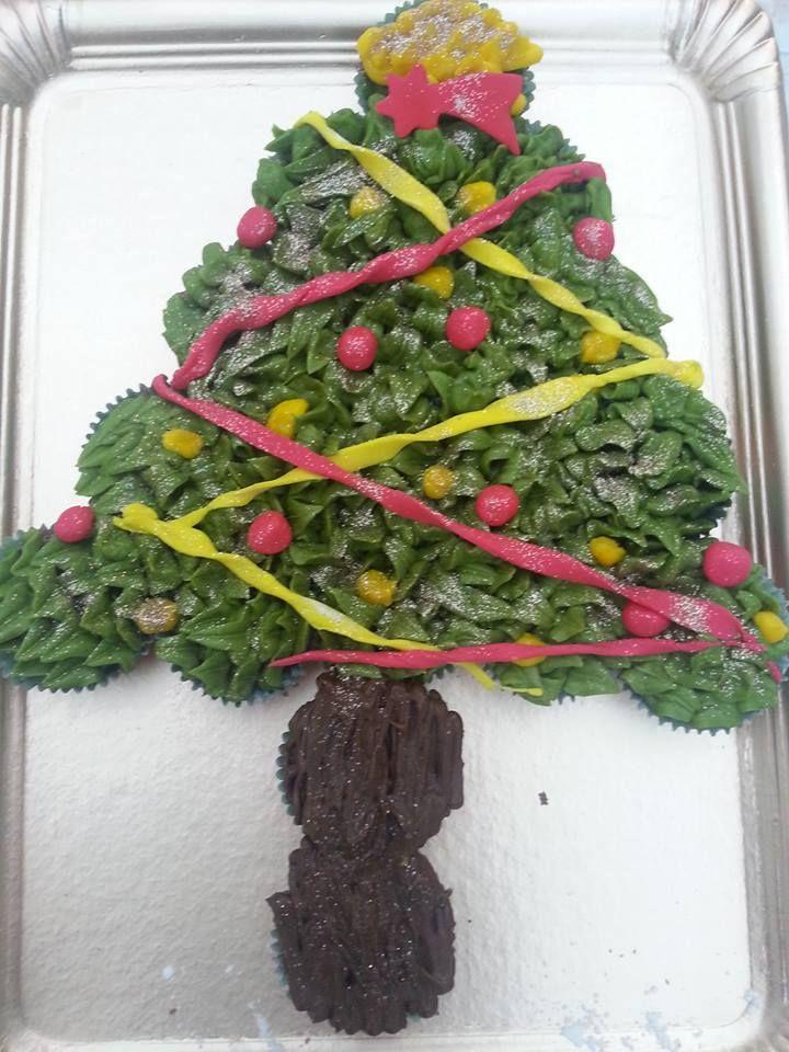 Árbol navideño con muffins