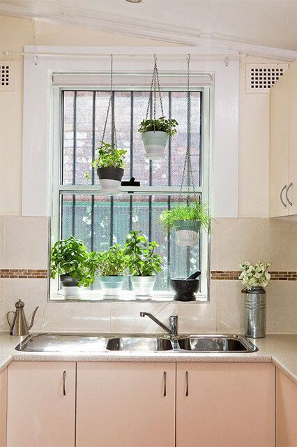 use a janela da cozinha