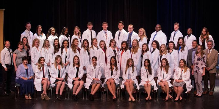 Doctorate of Physical Therapy Class of 2019 Get Their White Coats