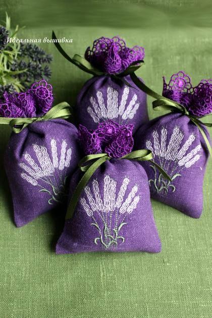 """Комплект из 4 льняных мешочков """"Лиловый букет - кружевной"""" - фиолетовый"""