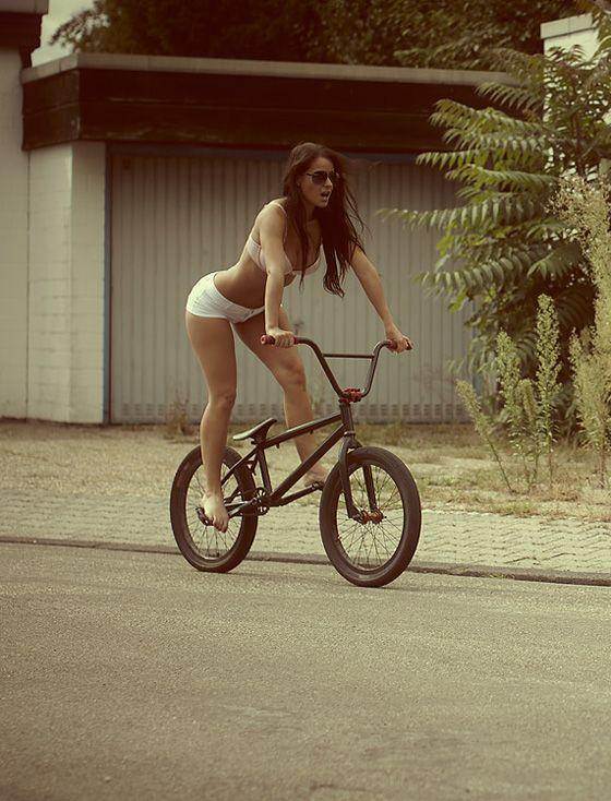ride bmx sexy bicycle girl 5.jpg