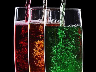 Чем опасны сладкие газированные напитки
