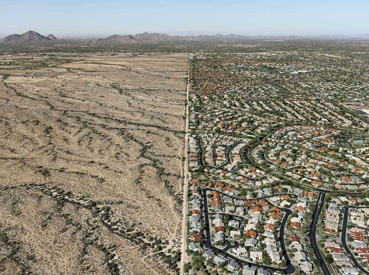 Riserva indiana Salt River Pima , Scottsdale, Arizona, Stati Uniti 2011. - (Edward Burtynsky, Courtesy Admira - Milano)