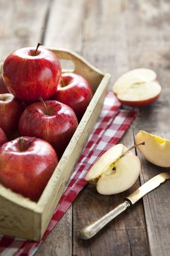 女性に嬉しい効果がたくさん!旬の「りんご」の美味しいレシピで健康的に美しく♪