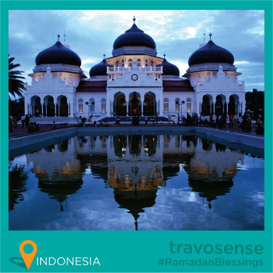 #travosense presents #RamadanBlessings ::  Baiturrahman Grand Mosque is a grand Mosque located in the center of Banda Aceh, Indonesia, Aceh Province, Indonesia. The #Baiturrahman Grand Mosque is a symbol of religion, culture, spirit, strength, struggle and nationalism of #Acehnese people. This Banda Aceh's landmark Mosque has survived the devastating 2004 tsunami.  - By Travorage