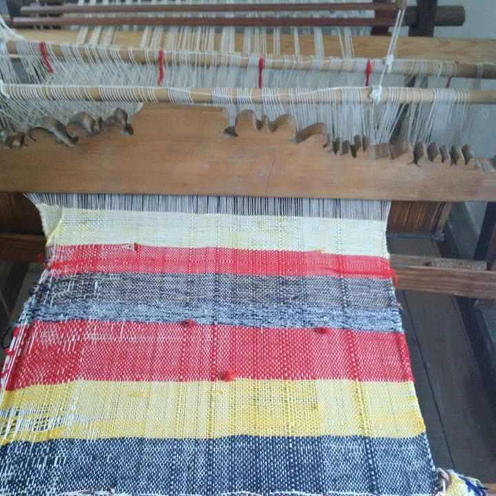 Traditional weaving loom