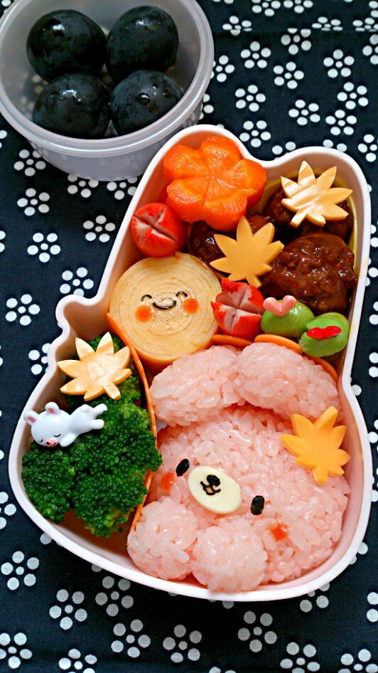 pink bunny rice & full moon rolled egg Bento♡ Wouldn't you want a lunch like this?