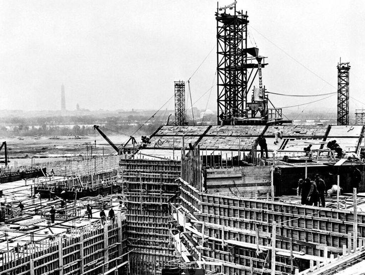 Ровно 73 года назад было завершено строительство Пентагона.  #история #США #Америка #Пентагон