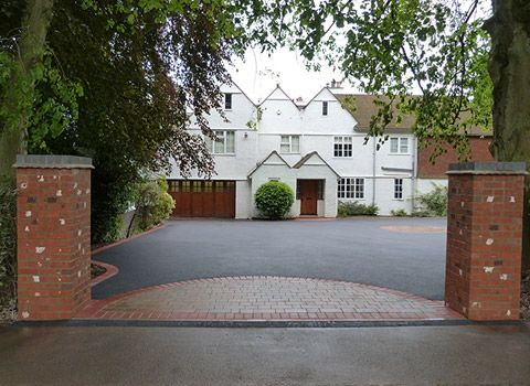 Unique Drives Ltd have over 50 years experience in the trade and completed hundreds of tarmac driveways across the Worcestershire and West Midlands area