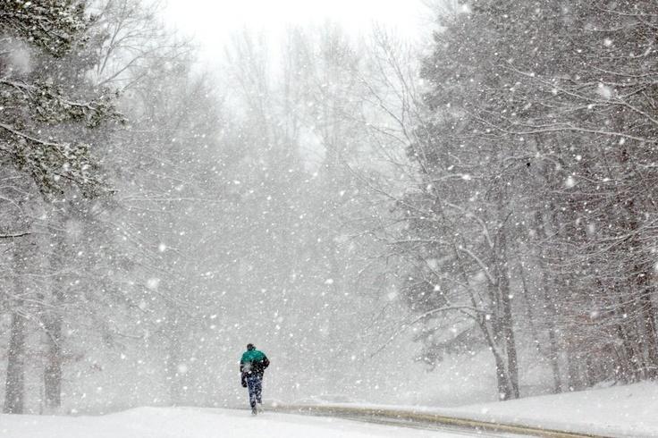 January 2, 2012, Bentleyville, Ohio, photo by Amy Sancetta: Snow Queen, Images Result, Despiertos En, Intermittent Snow, Google Images, En Bentleyville, Light Intermittent, In The