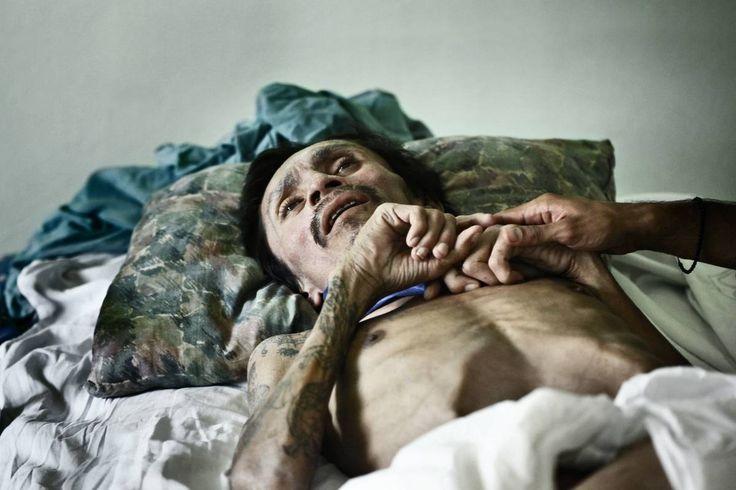 "Meeri Koutaniemi ""Oasis"" (2011-2013) Proyecto fotográfico/ Fotolibro. Tema: VIH"