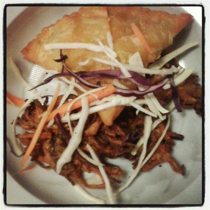 Appetizer: samosa & veg pakora * India at Your Home *