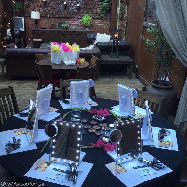 """Makeup Tonight """"Contour & Highlight"""" class set up @AventineHollywood"""