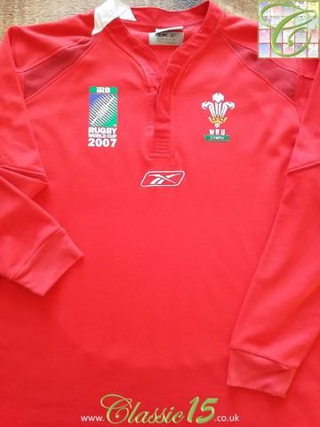 Relive Wales' 2007 World Cup with this original Reebok home long sleeve rugby shirt.