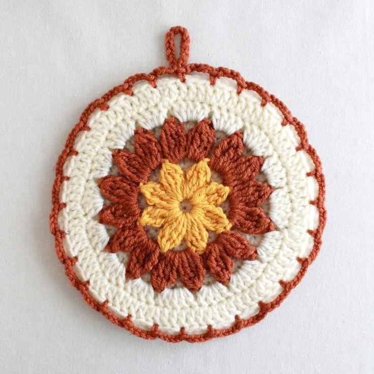Crochet Flower Potholder Pattern : 1000+ ideas about Crochet Potholder Patterns on Pinterest ...