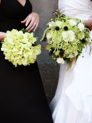 OMG...I want the bouquet on the right!!!! It is EXACTLY what I want....with some brown feathers thrown into it...and it is perfect!!!! <3 <3 <3