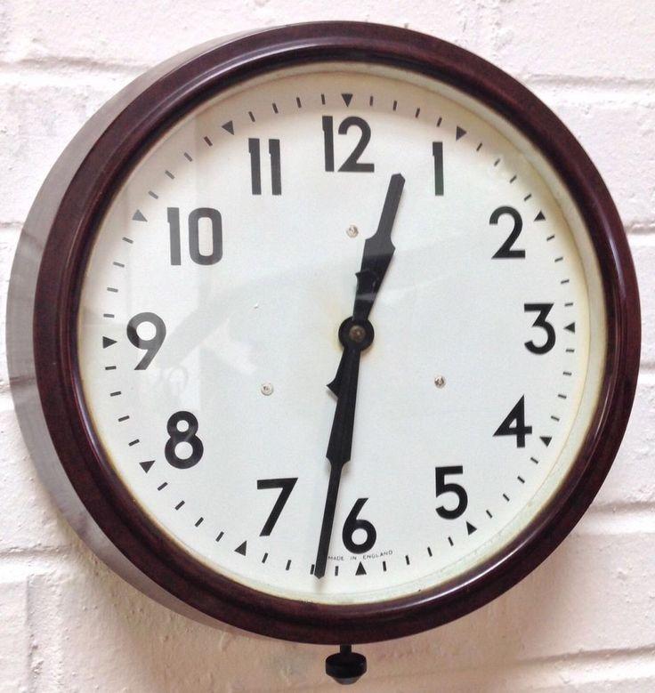 Vintage 1950s George Vi Smiths England Bakelite Wall Clock