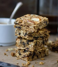 gluten-free breakfast bars with apricots, prunes and almonds
