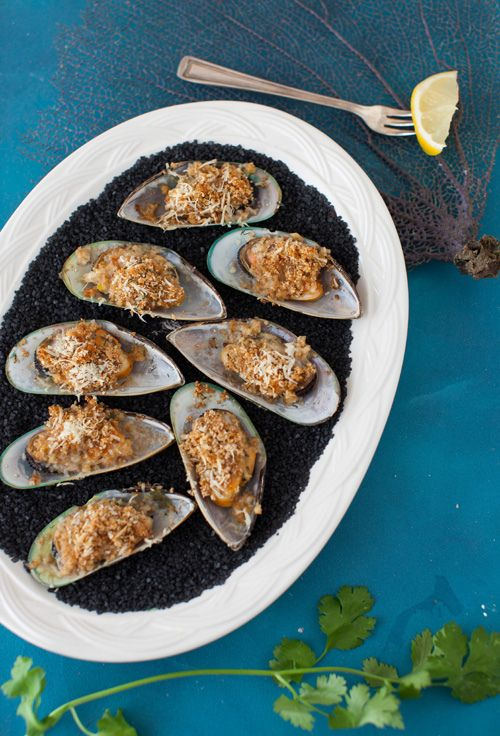Greenshell Mussels with Herbed Breadcrumbs, Au Gratin - Makes an Elegant Appetizer at Cooking Melangery