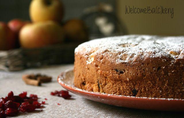 Torta mele, panna e cranberries