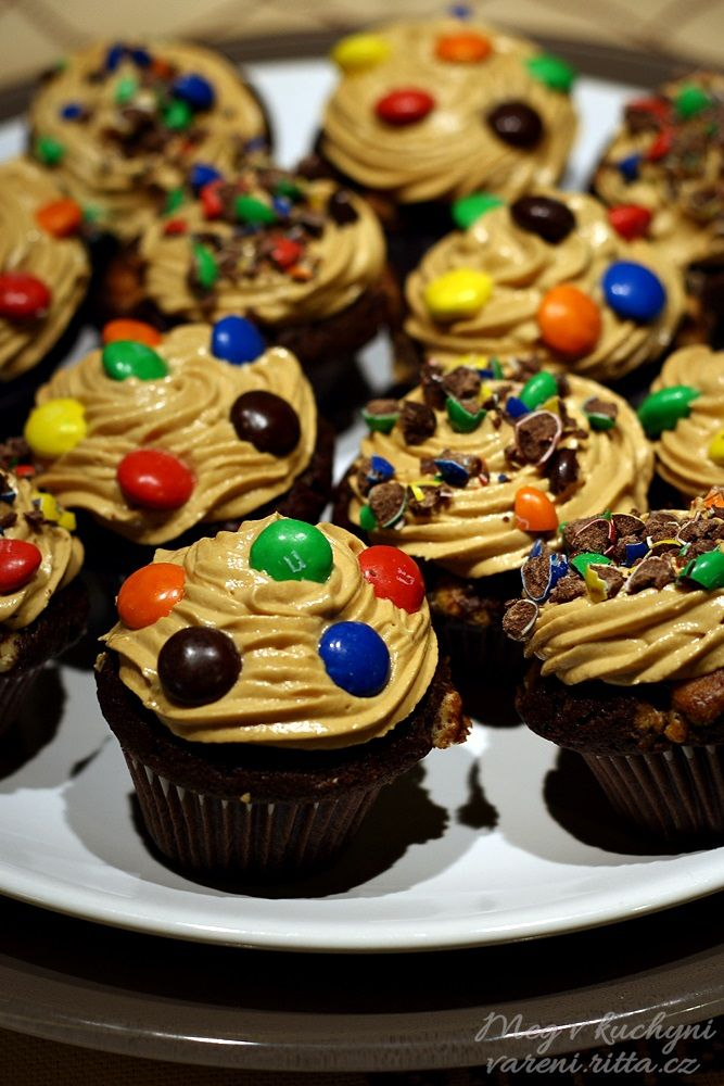 Brownies cupcakes s arašídovo-karamelovým krémem