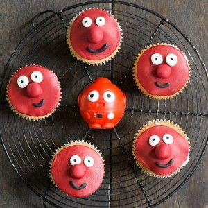 Red Nose Day face cupcakes WEB