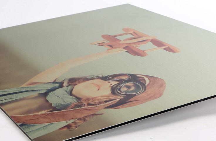 Foto op aluminium geprint. Stoer en stijlvol. Witte kleuren worden niet geprint, dus dit geeft een extra mooi effect. https://www.fotogeprint.nl/foto-op-aluminium/